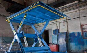 Конструкция и виды гидравлических подъемных столов