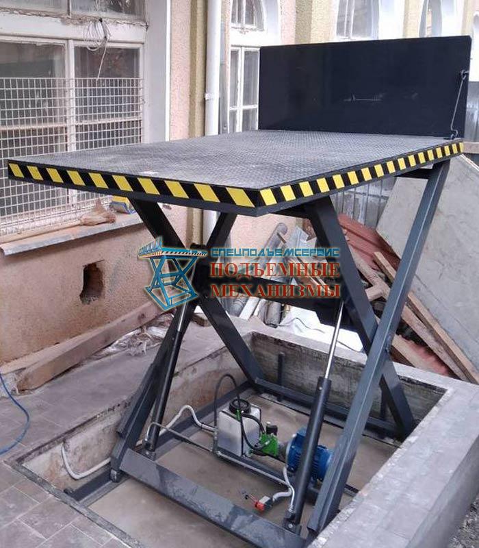 Подъемный стол с откидной аппарелью 2500 кг, Н=2 м, платформа 3000х2000 мм